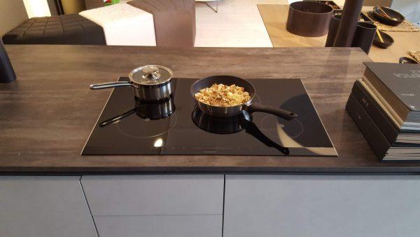 Mobili e arredamento di design, cucine, camere e soggiorni a Udine